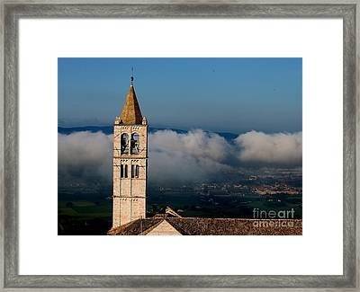 Framed Print featuring the photograph Assisi - 4 by Theresa Ramos-DuVon