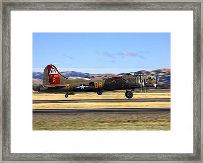 B17 Flying Fortress Departs Livermore Klvk Framed Print