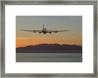 B17  Landfall Framed Print by Pat Speirs