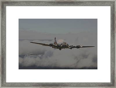 B17 Outbound - 'heavy Weather' Framed Print by Pat Speirs