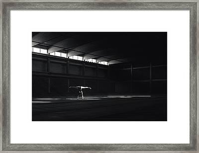Ballando Nella Luce Framed Print
