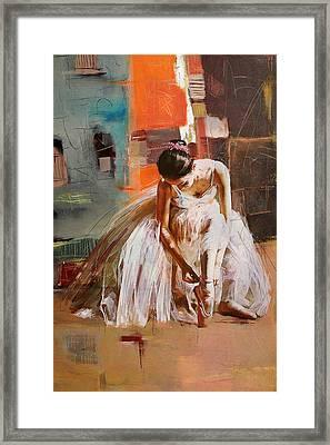 Ballerina 20 Framed Print