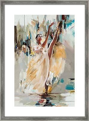 Ballerina 24 Framed Print