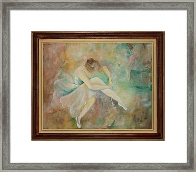 Ballet Dancers Framed Print by Ri Mo