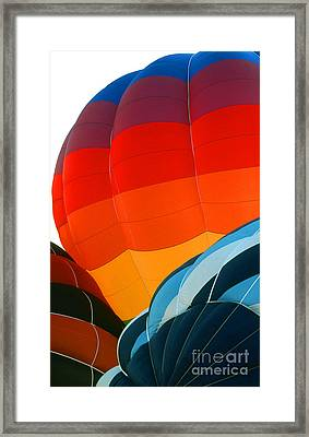 Balloon 19 Framed Print