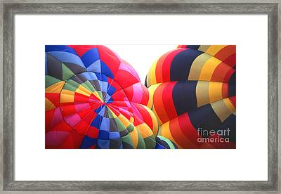 Balloon 27 Framed Print