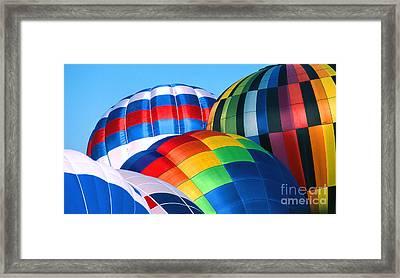 Balloon 30 Framed Print