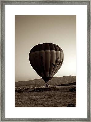 Balloon2 Framed Print by Ernesto Cinquepalmi