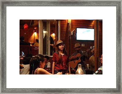 Band At Palaad Tawanron Restaurant - Chiang Mai Thailand - 01137 Framed Print