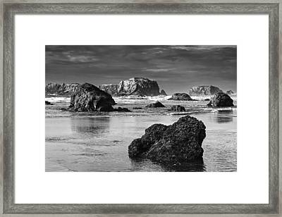 Bandon Sea Stacks Black And White Framed Print by Mark Kiver