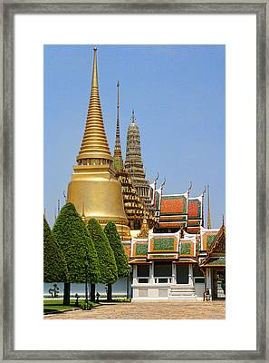 Bangkok Grand Palace Achitecture Framed Print by Linda Phelps