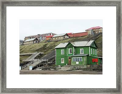 Barentsburg Framed Print by Dr P. Marazzi/science Photo Library