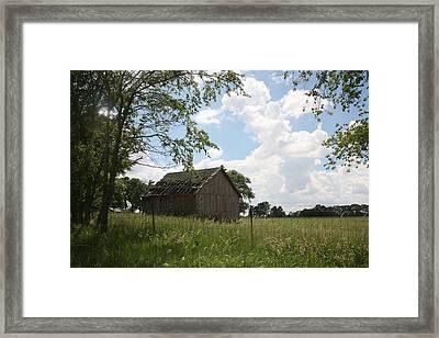 Barn Near Centralia Missouri Framed Print