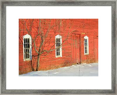 Framed Print featuring the photograph Barnwall In Winter by Rodney Lee Williams