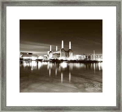 Framed Print featuring the photograph Battersea Power Station by Mariusz Czajkowski