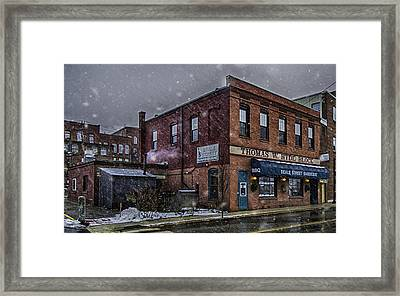 Framed Print featuring the photograph Beale Street Bbq by David Hufstader