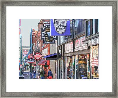 Beale Walk Framed Print by Suzanne Barber