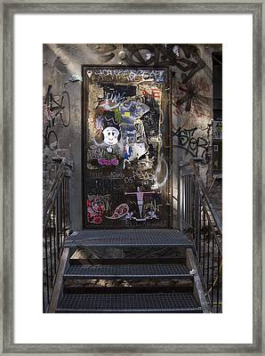 Berlin Graffiti - 2  Framed Print by RicardMN Photography