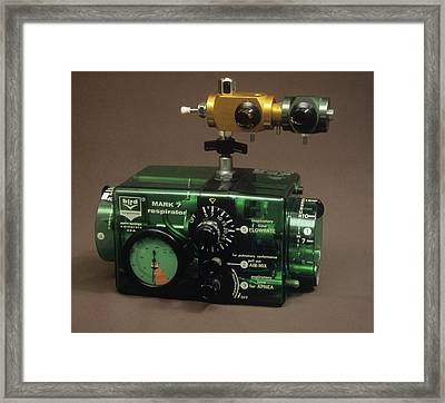 Bird Mark 7 Respirator Framed Print by Science Photo Library
