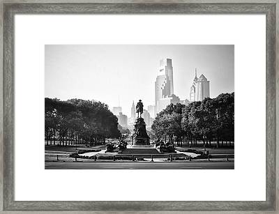 Black And White Philadelphia - Benjamin Franklin Parkway Framed Print