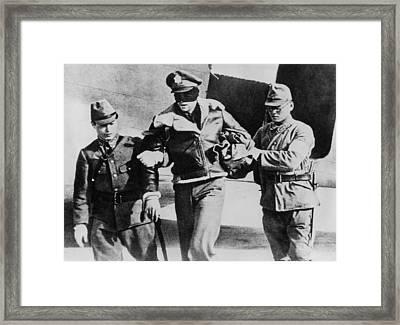 Blindfolded U.s. Lt. Robert Hite, Pow Framed Print by Everett