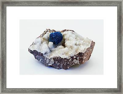 Blue Cavansite Rosette In Rock Groundmass Framed Print by Dorling Kindersley/uig