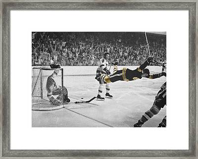 Bobby Orr 2 Framed Print by Andrew Fare