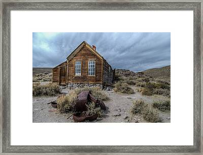 Bodie Fixer Framed Print by Mike Ronnebeck