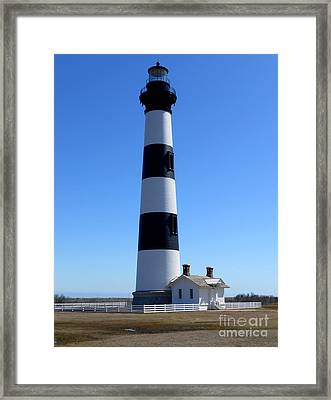 Bodie Island Lighthouse Framed Print by Lesley Giles