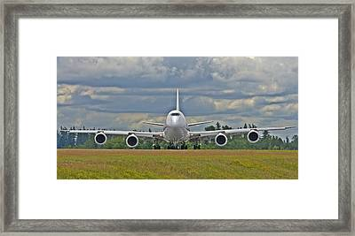 Framed Print featuring the photograph Boeing 747-800 by Jeff Cook
