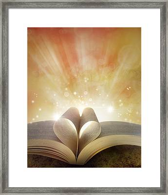 Book Love Framed Print by Les Cunliffe