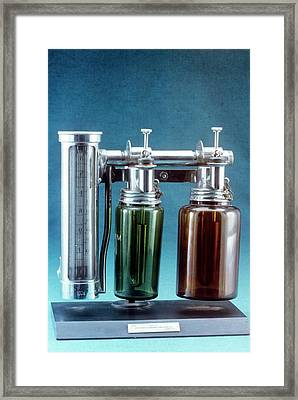 Boyle's Apparatus For Anaesthesia Framed Print by Science Photo Library