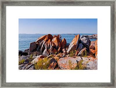 Broken Boulders Framed Print by Les Palenik