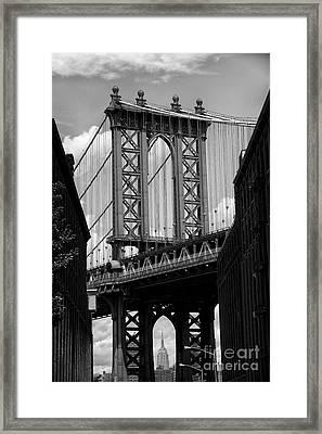 Manhattan Bridge Nyc Framed Print by Peter Dang