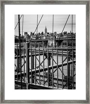 Brooklyn Bridge 2853 Bw Framed Print by Deidre Elzer-Lento