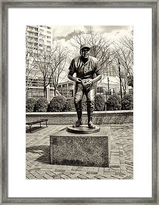 Brooks Robinson Statue At Oriole Park At Camden Yards In Sepia Framed Print