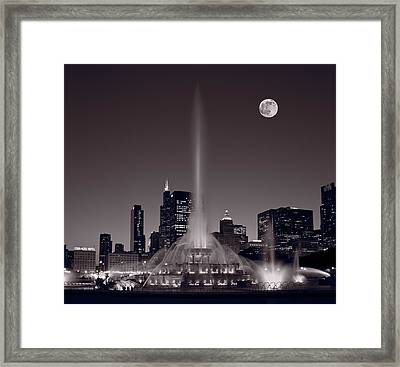 Buckingham Fountain Nightlight Chicago Bw Framed Print by Steve Gadomski