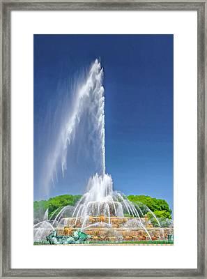 Buckingham Fountain Spray Framed Print by Christopher Arndt