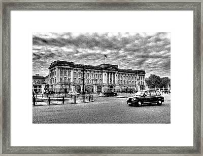 Buckingham Palace Art Framed Print by David Pyatt