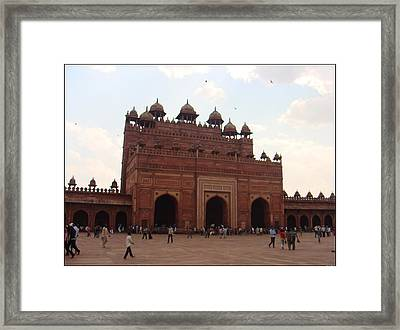 Buland Darwaza Framed Print