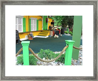 Busch Gardens - Animal Show - 121241 Framed Print by DC Photographer