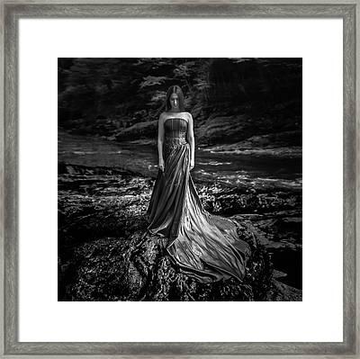 Bw Portrait (black And White ) Framed Print