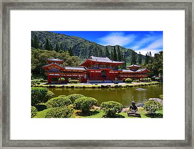 Byodo-in Temple On The Island Of Oahu Hawaii Framed Print
