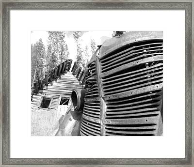 Cabin Grill Framed Print by Tarey Potter