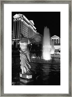 Caesars Fountain Bw Framed Print