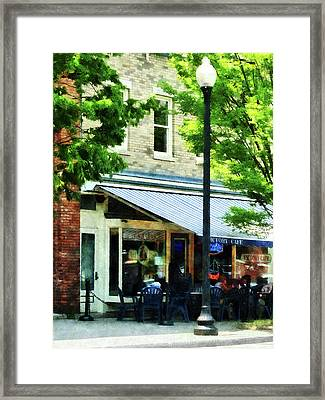Cafe Albany Ny Framed Print by Susan Savad