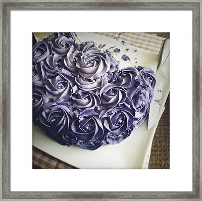 Cake Framed Print by Les Cunliffe