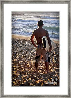 Framed Print featuring the photograph Call Of The Surf by Gina Savage