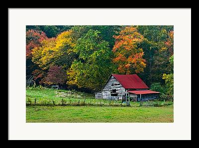 Tn Barn Framed Prints