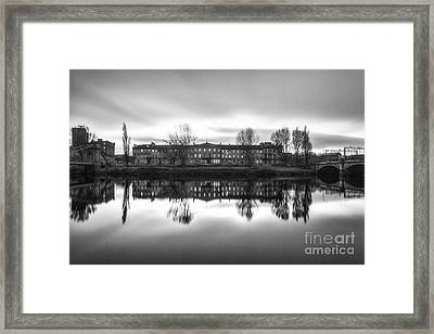 Carlton Place Glasgow Framed Print by John Farnan